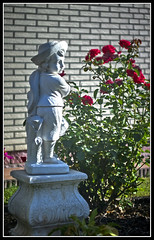 L8002975  -  Skulptur (Max-Friedrich) Tags: leica leicam8 summarit 50mm leitz outdoor garten skulptur plastik bokeh
