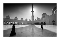 Veiled (paulbiggsphotography) Tags: monochrome mosque abudhabi sheikh zayed landscape architecture sillouette