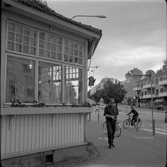 Mutterikahvila, Lauttasaari (Sanha Matas) Tags: balda 120film trix400 iso400 helsinki lauttasaari