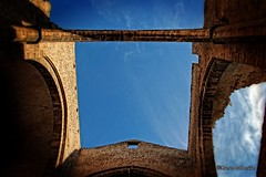 The hole... (Mario Pellerito) Tags: canon eos 60d 18135 palermo palerme panormus mariopellerito spasimo art sky inthesky sicilia sicilie sicily italia italy italie thehole