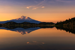Trout Lake Sunrise (rajaramki) Tags: troutlake mountshasta sunrise alpenglow