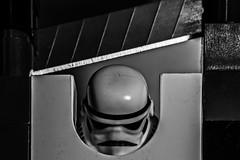 Hay trucos que es mejor no probar (Ignacio M. Jimnez) Tags: lego stormtrooper macromondays handlewithcare ignaciomjimnez
