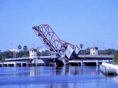 Bridge to Nowhere, Tampa Style (retiredPhil) Tags: tampafl p7000
