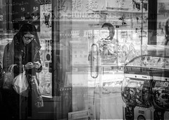 sonic (FREISTELLEN) Tags: street people bw white black london japan blackwhite lomo exposure chinatown soho chinese streetphotography double mobilphone doppelbelichtung blackwhitephotos streetbw