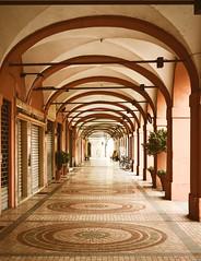 La citt vuota (AndreaPizzocchero) Tags: city sunday piacenza luce citt domenica