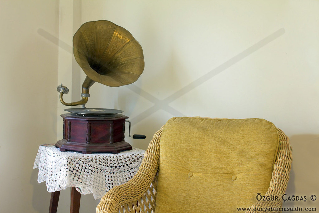 The world 39 s best photos of disc and phonograph flickr for Old school house music classics