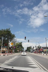 Road Crossing in front of SMK Manir (UmmAbdrahmaan @AllahuYasser!) Tags: malaysia terengganu 991 kualaterengganu manir ummabdrahmaan