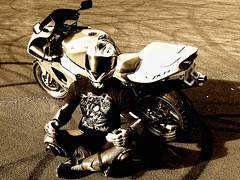 DSC_0922 (driver Photographer) Tags: city leather honda ktm triumph motorcycle yamaha driver suzuki daytona ducati motoguzzi kawasaki leathers buell aprilia simson cagiva husqvarna dainese  bmv   alpinstars ktm moto guzzi bmv