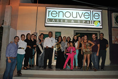 DSC_0122.JPG El corte de listón realizado por Eulalio Guerra en presencia de Nora, el Staff del Spa e invitados.