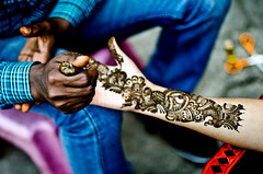 Working Hard (B.Bubble) Tags: india hands arms delhi fingers henna bodyart mehndi desgins lajaptnagarmarket