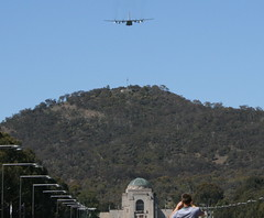 Flypast over the War Memorial and Mt Ainslie (spelio) Tags: australia canberra raaf act hercules 2012 flyby retire australiancapitalterritory flypast c130h