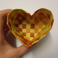 heart box (Dasssa) Tags: origami heart box elephanthide paperstrips dasssa