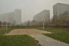 Ahrensfelde, Berlin (J@ck!) Tags: mist berlin playground germany deutschland hochhaus socialhousing ahrensfelde
