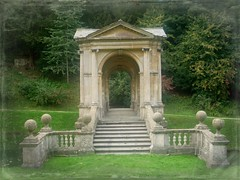 Palladian Bridge: Prior Park Landscape Garden (curry15) Tags: lake graffiti bath steps somerset nationaltrust 18thcentury ba2 capabilitybrown robertmorris priorpark palladianbridge ashlar priorparklandscapegarden 1736 ralphallendrive ralphallen gradeilisted