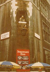 LONDON July 1978 pic78 (streamer020nl) Tags: england london pub shakespeare gb carnabystreet 1978 truman foubertsplace shakespeareshead watneys floubertsplace
