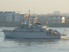BNS Narcis M923 @ Gallions Reach 11-12-12 (AJBC_1) Tags: uk england london boat ship unitedkingdom military navy vessel riverthames nato warship minesweeper eastlondon gallionsreach mcv northwoolwich newham navalvessel londonboroughofnewham belgiannavy minehunter m923 snmcmg1 bnsnarcis ajc dlrblog ajc