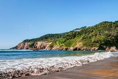 Playa de Cueva, Valds (ccc.39) Tags: asturias valds cueva playadecueva beach cantbrico mar ola