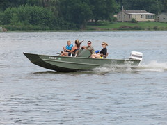 More river boaters (JJP in CRW) Tags: iowa leclaire mississippiriver geibfest boats