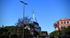 Buenos Aires (pepelara56) Tags: bandera edificio cielo azul maana