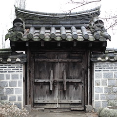 Gate (HDH.Lucas) Tags: gate hanok lucas