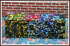 candados de colores (nagarver) Tags: candados canada toronto colores banco ladrillos