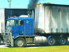 photo by secret squirrel (secret squirrel6) Tags: craigjohnsontruckphotos kenworth melbourne trrucking smoke cabover kw coe