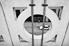 porthole (local paparazzi (isthmusportrait.com)) Tags: canon5dmarkii 28mmf18usm 28mm f18 usm ef eos lopaps pod 2016 iso200 redskyrocketman localpaparazzi isthmusportrait 563 dubuqueia dubuquecountyiowa circle shapes interesting composition framed framing person human street streetphotography outdoors summer september iowa prime aperture black white contrast blackandwhite blanco negro blancoynegro city people car parked parking parkingmeter
