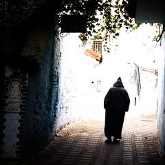 Quand la vie n'est que l'ombre d'elle mme (cafard cosmique) Tags: africa mountain photography photo foto image northafrica morocco maroc chaouen chefchaouen marruecos marokko rif marrocos afrique chefchouen xaouen chouen afriquedunord    bluetowncity
