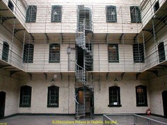 Ireland.- Kilmainham Prison in Dublin, Ireland .. Pic 3. (mrvisk) Tags: irish jail cells landings spiral staircase bars mrvisk images gaol old history danger custody john macbride james connolly co pic executions 1910s indoor visitor attraction men women children property