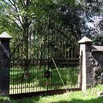 Steinfurth - Tor zum neuen Friedhof thumbnail