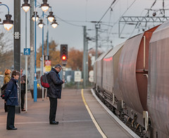 Note Taker at Ely (Martyn Fordham) Tags: station platform trains note ely railways f28 taker 7020028lisii