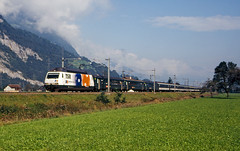SBB Re460 015 (maurizio messa) Tags: railroad switzerland railway trains svizzera bahn mau sponsor uri pubblicit ferrovia treni gotthard werbe re460 gottardo yashicafxd