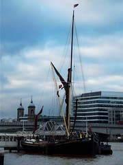 Thames Sailing Barge Lady Daphne /01/12/2012/ (philip bisset) Tags: england london thames londonbridge river pier united kingdom greater thamessailingbarge ladydaphne
