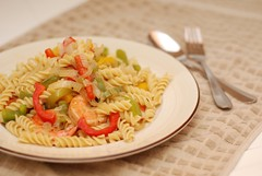 Shrimp Rotini with Onions and Bell Peppers (raymondtan85) Tags: california usa folsom shrimp homemade seafood onion rotini bellpeppers homecook 50mmf18af panfry d80
