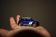 321:365 tiny MINI. (blackbird flies.) Tags: car mini tiny modelcar hotwheel matchboxcar project365 bluecoopers