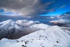Sgorr Ruadh, Achnashellach (svensl) Tags: blue winter white lake snow mountains ice landscape scotland frozen hiking rocky sunny views loch showers magnificent schottland torridon gairloch achnashellach achnasheen ruadh sgorr