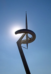Sun Machine (l a b e t e) Tags: barcelona city architecture spain espana calatrava olympia architektur catalunya costabrava telefonica spanien katalonien photokmatrixde
