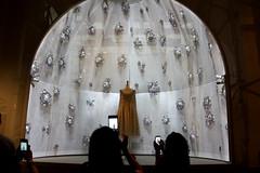 Dress paparazzi (DC Products) Tags: 2016 newyork newyorkcity manhattan uppereastside themet metropolitanmuseumofart art museum manusxmachina