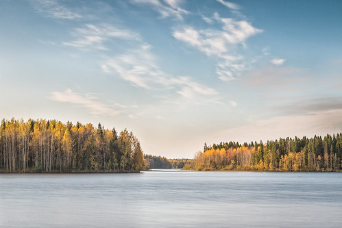 Colors of autumn on Haapajärvi's reservoir
