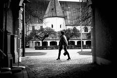 Woman in motion (georg19621) Tags: bw street people tina winter alttting deutschland