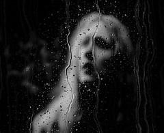 A moça por trás da janela molhada de chuva / The girl behind the window wet rain (Valcir Siqueira) Tags: girl rain windowwetrain