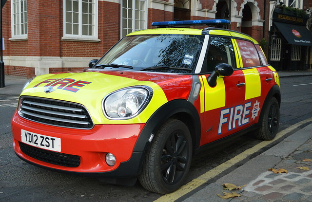 london car fire d small mini cooper bmw fires rapid brigade response unit clubman yd12zst