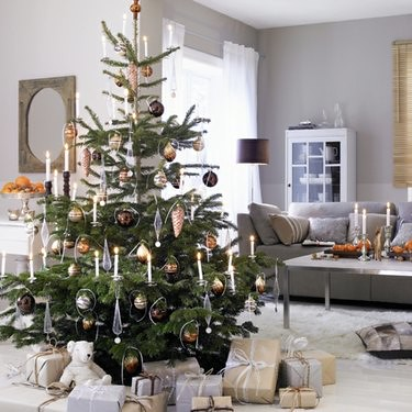 Christmas-tree-decorations-candles