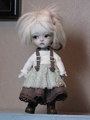Grey (ElfinHugs) Tags: yellow oz wizard gray tiny lea bjd wizardofoz limited tinman lati
