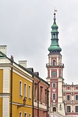 Zamosc-0220 (massonth) Tags: city red building yellow canon eos poland legacy pologne zamosc 60d