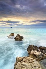 Carry on (J. Tiogran) Tags: longexposure sea sky clouds island dawn mar nikon rocks tokina amanecer cielo lee nubes 28 isla rocas carryon manowar estudiantes estudiants villajoyosa largaexposicin lavilajoiosa degradado lavila 1116 d5000 9nd