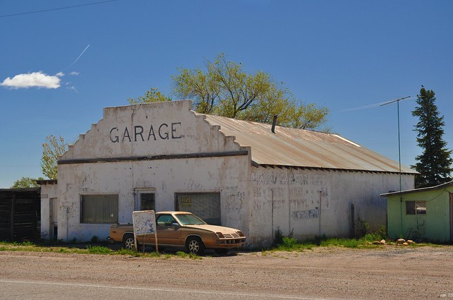 auto newmexico southwest car architecture automobile garage dodge nm mechanic smalltown outofbusiness rampage ghostsign dodgerampage nikond5000 april2012roadtrip moutainairnewmexico