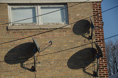 TV (-Tripp-) Tags: city urban chicago outside illinois north neighborhood northside elevated chicagoland chicagoist