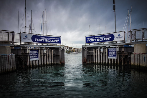 ocean door sea water port marina coast boat gate day doors cloudy harbour yacht lock gates hampshire coastal solent portsmouth sail opening premier channel marinas portsolent sunsail flickraward