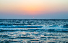 IMG_2638 (Wisssss) Tags: sunset red sea sky sun seaside waves redsea sunny clear corniche jeddah saudiarabia jiddah